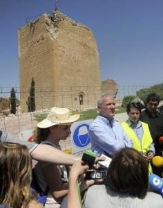 Ramón Luis Valcárcel, Francisco Jódar y Pedro Alberto Cruz, ayer, en la Torre del Espolón