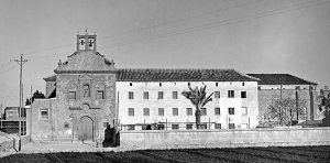 Iglesia y convento de San Diego en una fotografía de Pedro Menchón hacia 1930. :: ARCHIVO MUNICIPAL