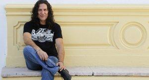 Tomatito, que junto con Carlos Piñana, serán los guitarristas participantes en la gala por Lorca. :: EFE