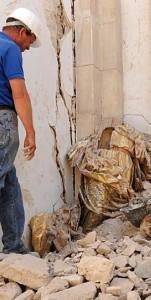La destrozada talla de la Purísima de Santiago. :: P.ALONSO / AGM