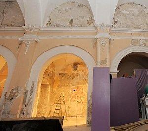 Obras de reparación en el museo de bordados. :: P. A. / AGM