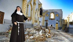 La madre María Jesús, en la capilla del monasterio de las Clarisas, que también ha sido incluido en el plan para proteger los monumentos frente a la lluvia. :: NACHO GARCIA / AGM