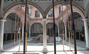 Interior del edificio del Palacio de Guevara. :: P. A. / AGM