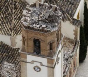 El templo tras el seísmo.  M. GUILLÉN