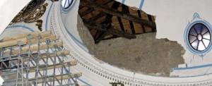 Interior de la iglesia de San Francisco, tras los seísmos.  j. f. moreno