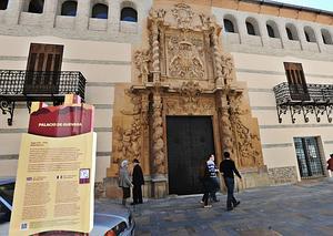 El Palacio de Guevara sin andamios a escasos días de su apertura tras los seísmos. :: PACO ALONSO / AGM