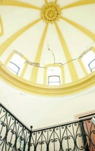 Grietas en la cúpula de la escalera del Conservatorio. :: S. M. L. / AGM