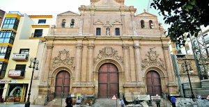 La fachada de la iglesia del Carmen, de la que se han retirado los andamios tras su consolidación. :: PACO ALONSO / AGM