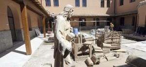 Las últimas obras en el monasterio de Santa Ana y la Magdalena se ejecutan en estos momentos en el patio conventual. :: PACO ALONSO / AGM
