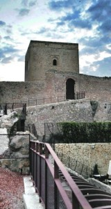 La Torre Alfonsina, desde el Parador Castillo de Lorca. :: S. M. LARIO / AGM