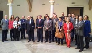 La Comisión de Cultura del Congreso visitó ayer Lorca para conocer sus bordados. A. L